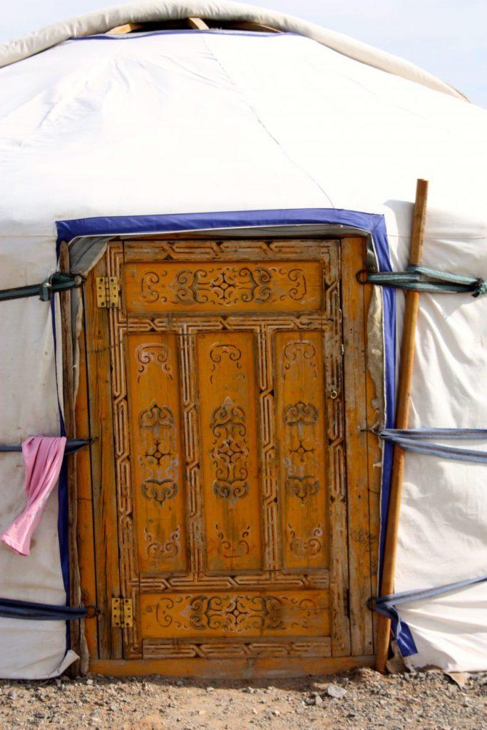 Porte d'une yourte mongole