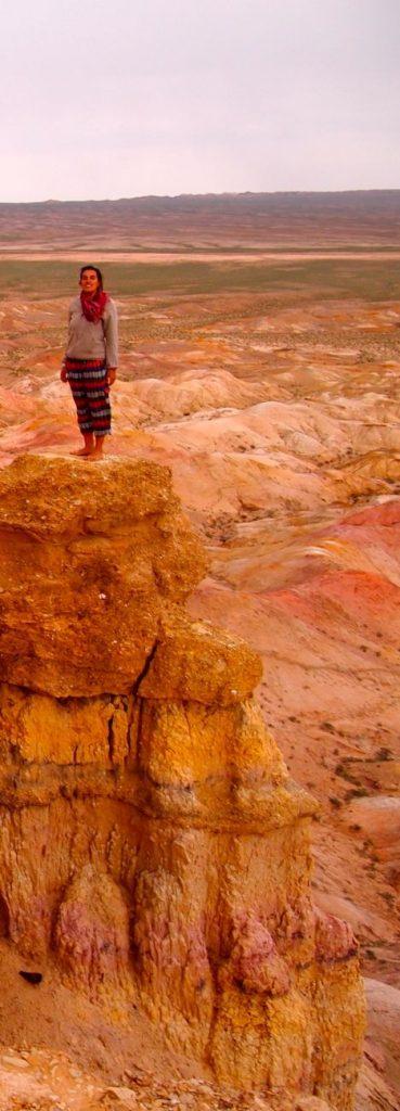 Hauteur de la falaise de Tsagaan Suvarga