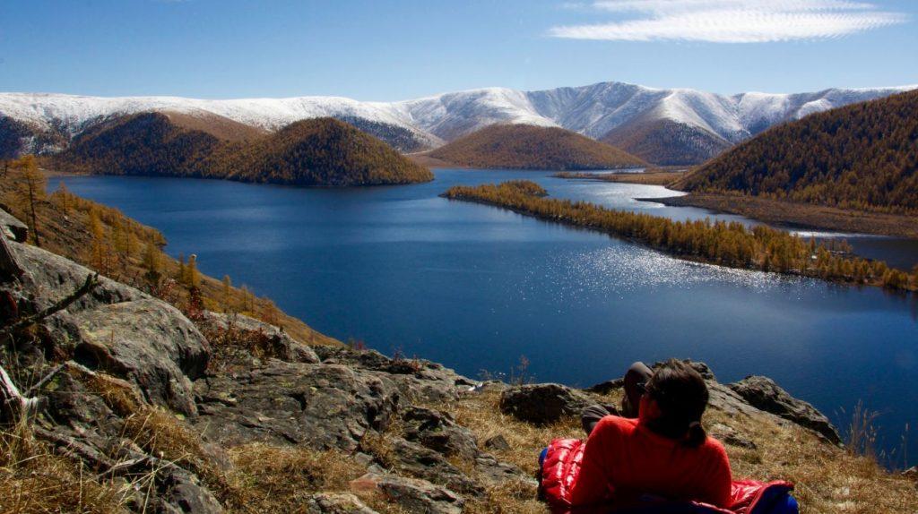 Le plus grand des lacs de Naiman Nuur