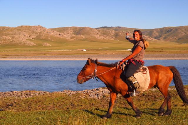 A cheval Orkhon rivière