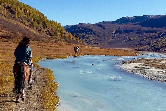 Descente sur le lac Khoton Mongolie Altai